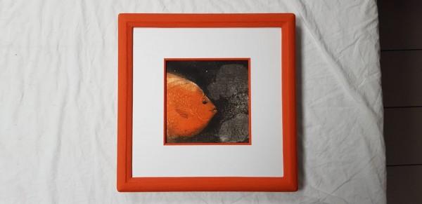 Handgemachter Farbsteinrahmen in orange