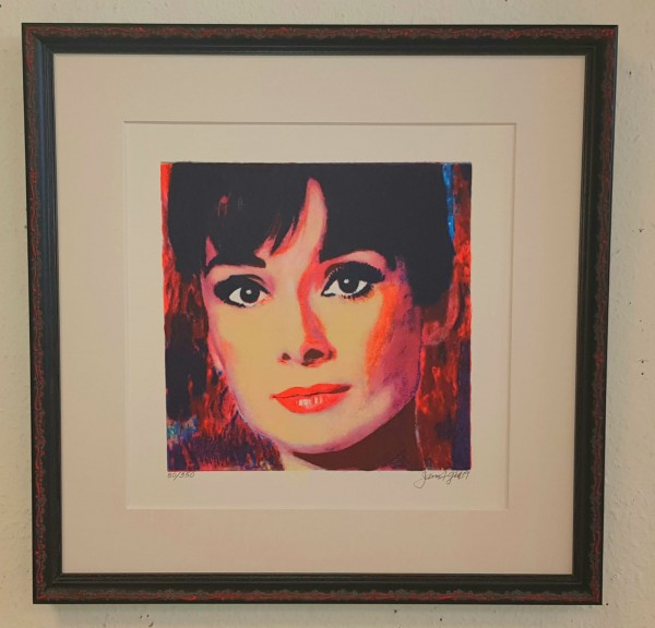 Audrey im Modellrahmen der Galerie Wehr