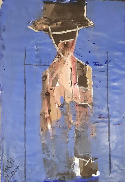 Figur vor blauem Hintergrund Original